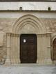 Portale a sesto acuto della chiesa di San Pietro in Ortigia