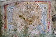 Dipinto rupestre nell'oratorio del crocifisso