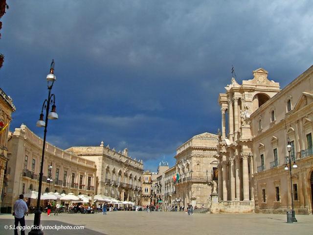 Hermes sicily archeologia turismo in sicilia for Hotel siracusa centro storico