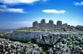 Castello Eurialo: fossato e torri