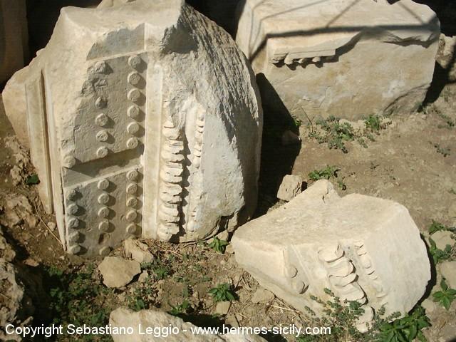 Megara Iblea, elementi architettonici del tempietto ellenistico