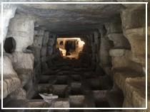 Modica, catacomba della larderia a Cava D'Ispica