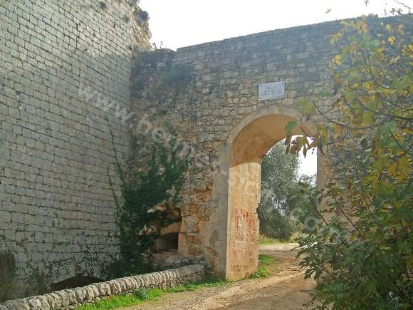 Noto Antica, la Porta della Montagna